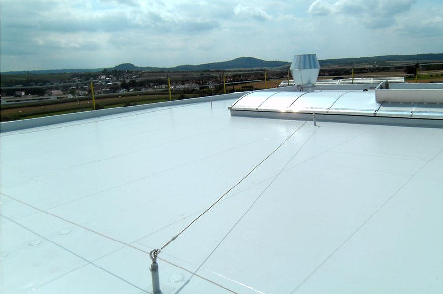 Seilsystem auf dem Flachdach